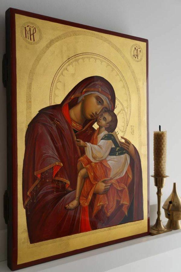 Virgin Mary Sweet Kissing