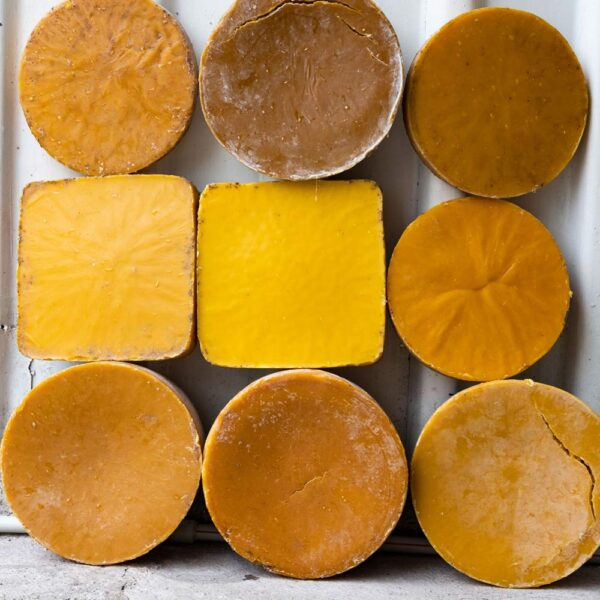 Pure Natural Beeswax In Different Colors
