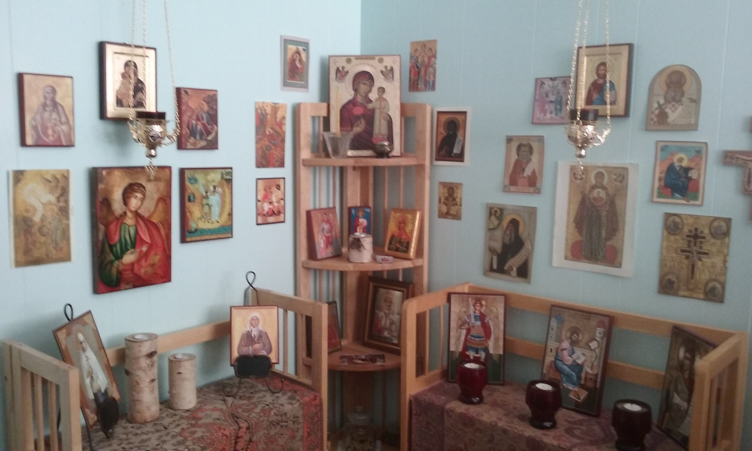 BlessedMart Review Prayer Corner Home Altar Hand-Painted Orthodox Icons 5
